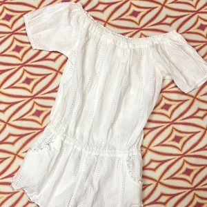 NWOT Honey Punch Wht Off-Shoulder Romper W/ Lace